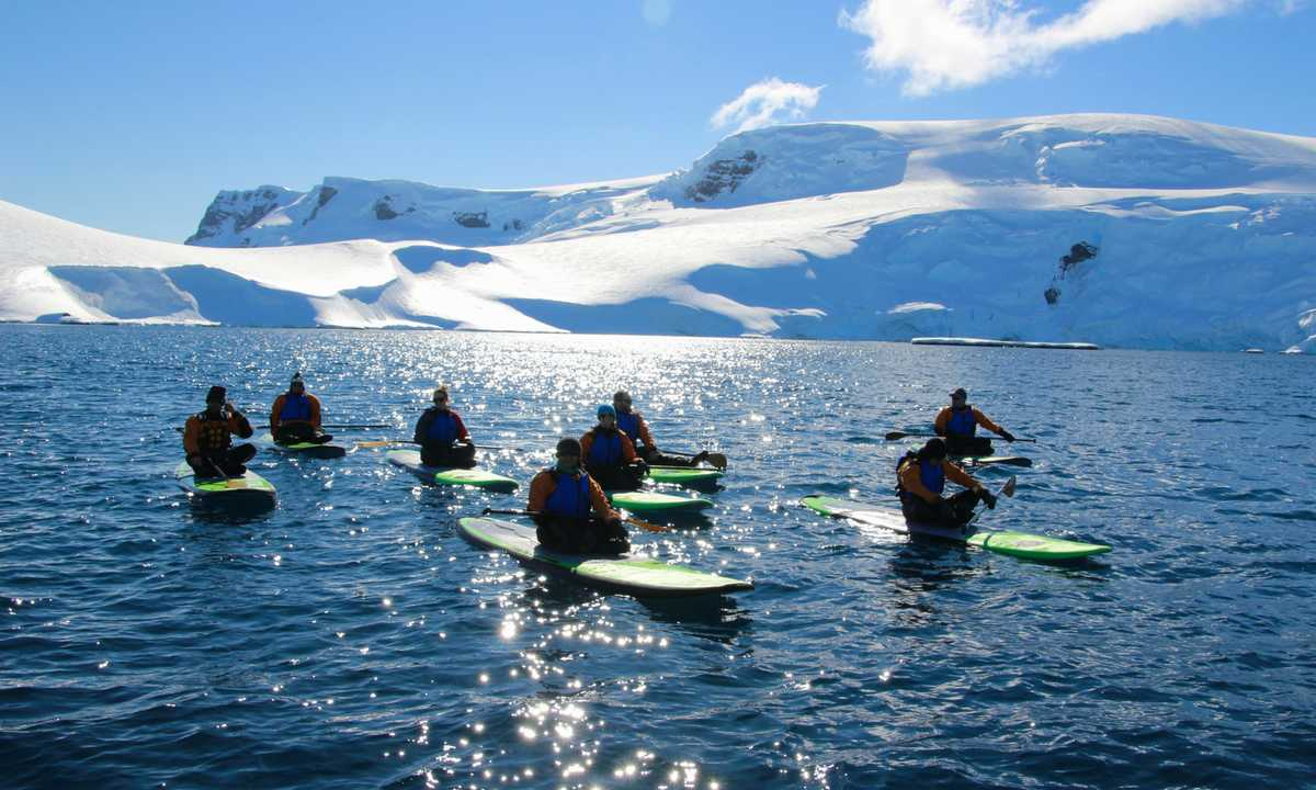 CUS_3_RYAN-BATTLES_PRIV_Paddleboarding_antarctica2