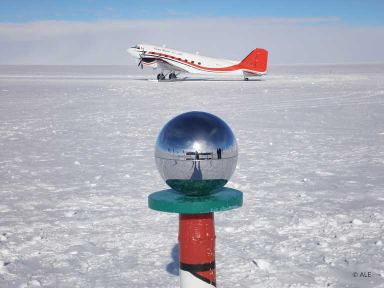 ALE_4_ALE_RTD_South-Pole-Aircraft