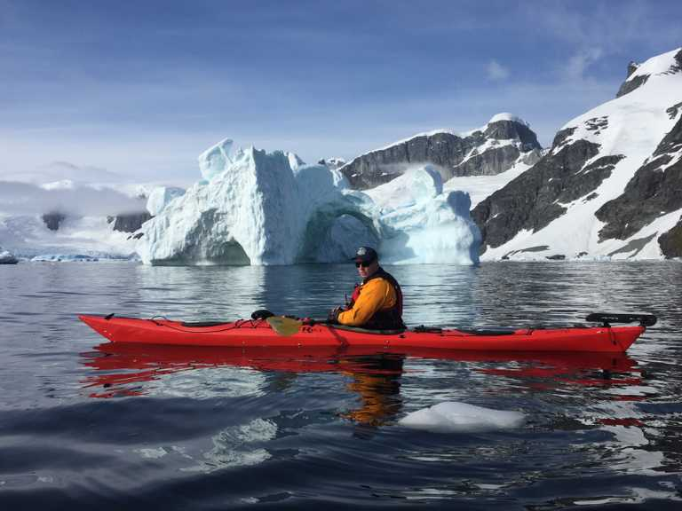 AM_3_AM_ALL_Antarctica-kayak-e