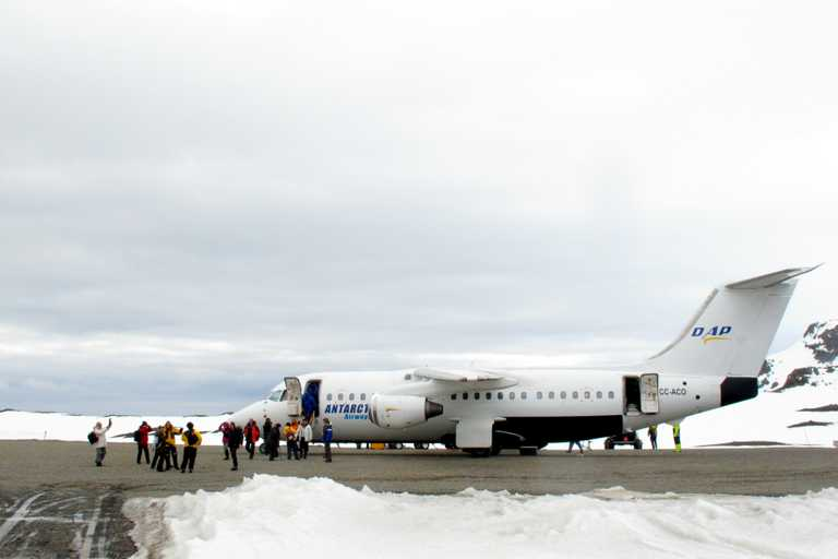 SW_3_Loli_Figueroa_ALL_airplane_Antarctica-e