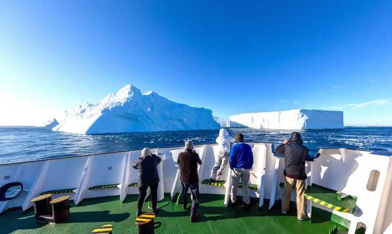 Antarctic Peninsula Explorer