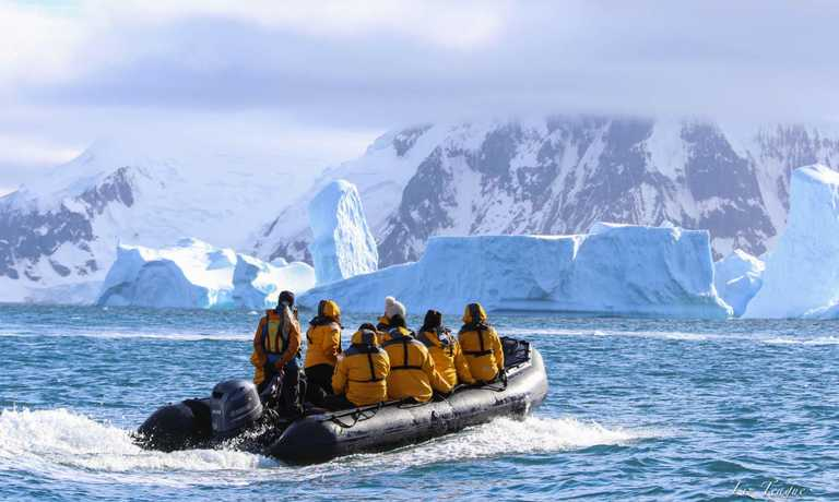 Fly & Cruise Polar Circle